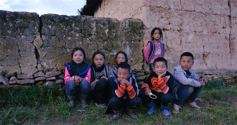 徐百慧涼山暖意慶生 關愛兒童傳遞愛心正能量